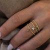 Ring Petite On Sapphire